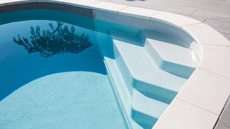 PRS-piscine-rectangle-sara-ESCALIER